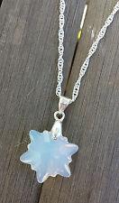 Kette kreiert mit Swarovski® Kristall Edelweiss Schneeflocke Blume Opal Weiß