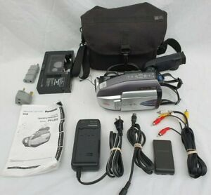 Panasonic VHS Palmcorder Model PV-L552 with Bag and all Accessories