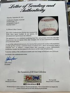 WILLIE MAYS signed BASEBALL PSA/DNA AUTHENTICATED autographed AUTO certified PSA
