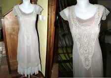 Superbe robe dentelle et sous robe marque MAIS IL EST OU LE SOLEIL taille S 36 N