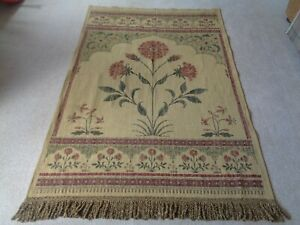 LARGE FABRIC/TAPESTRY STYLE WALL HANGING WILLIAM MORRIS SANDERSON
