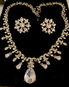 Vintage Necklace & Earrings Silver Tone & Stones.