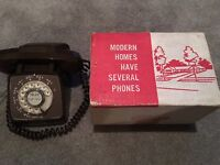 VINTAGE AUTOMATIC ELECTRIC GTE DESK TELEPHONE TYPE 80 BROWN - WITH BOX