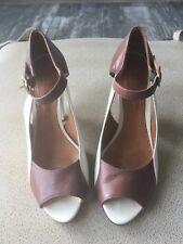 Chie Mihara Ivory/Brown Leather Peep Toe Heels - 7/37