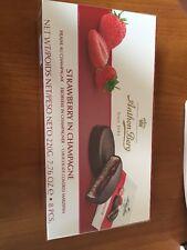 Anthon Berg Fresa Chocolate en champaña cubierto mazapán Chocolates 220g