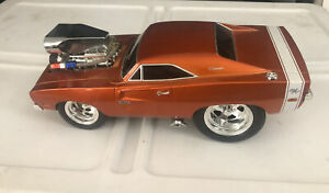 1/18 MUSCLE MACHINES DODGE CHARGER R/T Hemi 2005 Funline No Box