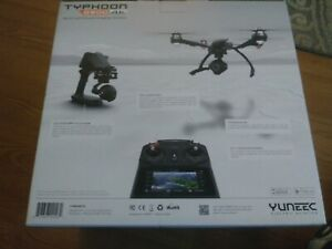 Yuneec Q500 4K Typhoon Quadcopter with CGO3-GB Camera, SteadyGrip and Case - Bl…