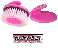TOUGH-1 PINK PALM COMFORT GRIP SERIES BRUSH FOR FACE MASSAGE HORSE TACK