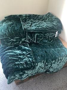 Botanical Green Lush Velvet West Elm Tack Stich Quilt & 2 Shams Full/Queen