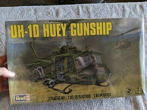Lot 373 - UH-1D Huey Gunship - 1/32 Scale - Revell
