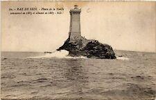 CPA  Raz-de-Sein- Phare de la Vieille commencé en 1883 et allumé en 1887(457713)