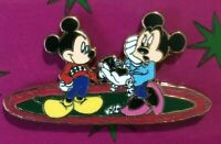 Mickey Minnie Disney Shopping  Christmas Gift LE surprise Set pin  K