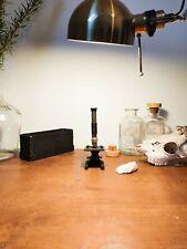 Petit microscope ancien/ Small old microscope