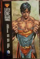 DC Comics - Superman - Earth ONE - Vol. Three - Softcover Graphic Novel