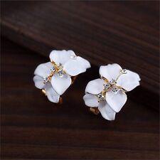 Vintage White Floral Style Stud Earrings BRAND NEW *UK SELLER* UJ052