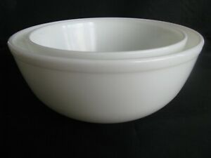 Vintage Set of 2 Pyrex True Opal Unmarked White Nesting Mixing Bowls
