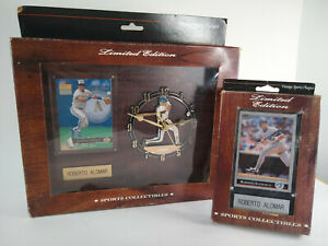 Roberto Alomar - Limited Edition - Vintage Sports Clock with Baseball Card