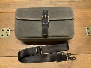 ONA The Bowery Camera Bag Olive Colored - Canvas