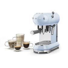 Smeg - Machine de caffè espresso en poudre Bleu ECF01PBEU - Revendeur