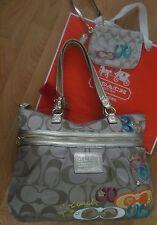2~COACH Poppy Daisy Pop C Applique W/Gold Trim/Light Khaki Tote Bag & Wristlet
