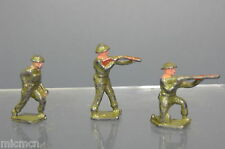 SKY BIRDS MODEL No.XXX  SET OF 3 BRITISH  SOLDIER'S  (ONE OFFICER & 2 PRIVATES)
