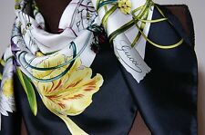 New AUTHENTIC Gucci Infinity White Black Flora Multicolor Silk Square Scarf
