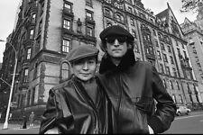 John Lennon and Yoko Ono  10x 8 UNSIGNED photo - P535