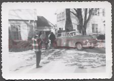 Vintage Car Photo Family w/ 1947 Oldsmobile Olds Automobile Winter Snow 664664