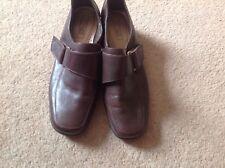 BNNB NICE PAIR  CHOCOLATE BROWN VELCRO FASTENING FOOTGLOVE WALKING SHOES UK 4.5