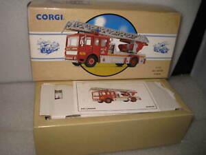 CORGI CLASSICS 1/50 AEC LADDER FIRE TRUC K DUBLIN  FIRE BRIGADE #97353
