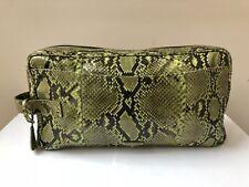 Damen Prada Clutch Tasche aus Schlangenhaut in grün; Green Python Clutch