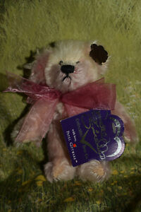 """Annette Funicello Limited Edition Bear 6"""" Gum Berry Drop"""