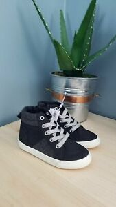 New Boys Old Navy Black Hi-Top Sneakers Size 9