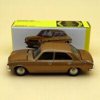 Atlas Dinky Toys 1452 PEUGEOT 504 1:43 Diecast models car