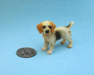 Adorable 1:12 Scale Dollhouse Miniature Beagle Dog Figurine #SDA004