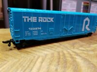 L4 HO TRAIN BOX Car THE ROCK 133274 blue white Box Car Horn Hook plug door