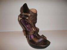 NEW Luichiny Rockstar Gilded Shimmer Bronze Gladiator Platform Heels SZ 10 shoes