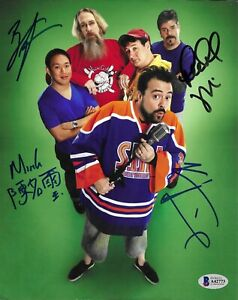 Comic Book Men - Color 8x10 Glossy Photo Signed by 4 - Kevin Smith COA
