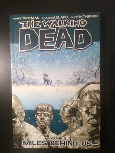 """The Walking Dead volume # 2 """"Miles behind us"""" Graphic Novel Very Fine  2009"""