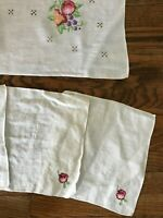 Vtg Antique Floral Flowers Embroidery Cross Stitch Tablecloth Napkins Set 30x30