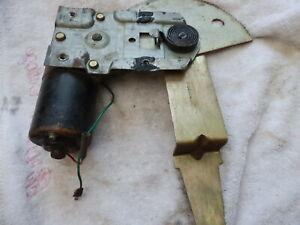 "JAGUAR / DAIMLER SERIES 2 XJ 6 / 12 ""COUPE"" REAR R.H.1/4 LIGHT WINDOW MOTOR ASS:"