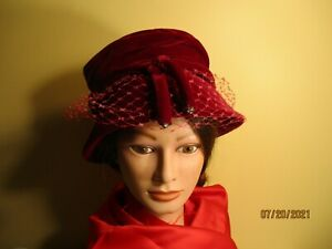 Vintage red  velour cloche hat with a veil