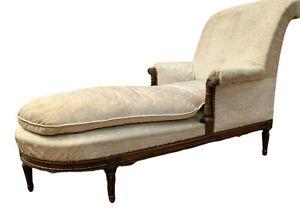 Lit de repos de style Louis XVI en noyer Chaise longue XX siècle