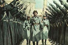 WW2 - Mussolini salué par la Milice