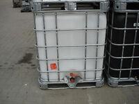1000 L Wassertank , IBC Container , Regentonne , weiße Blase auf Metallpalette