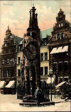 BREMEN um 1900 alte Postkarte Mann vor Roland Denkmal Häuser Gebäude Partie