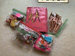 NICE LOT OF DAWN DOLLS, CLOTHING, CLONE, ACCESSORIES, BOOKLETS AND DOLL CASE