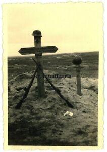 Orig. Foto Grab 198.ID Soldat in DNJEPROPETROWSK Ukraine 1941