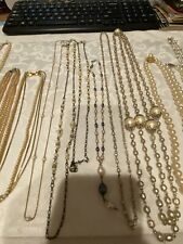 LOT OF 12  VINTAGE GOLD+SILVER TONE GLASS+PLASTIC FAUX PEARL NECKLACES