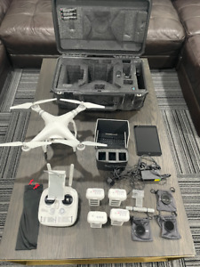 DJI PHANTOM 3 ADVANCED WITH PELICAN CASE IPAD AND LOTS OF EXTRAS